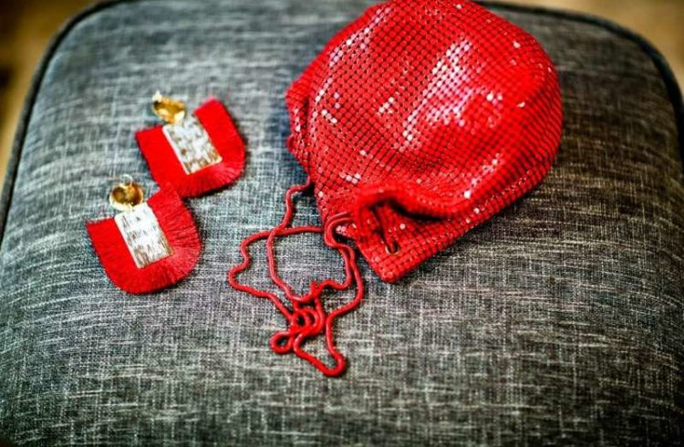 Red accesorries for Valentine´s day