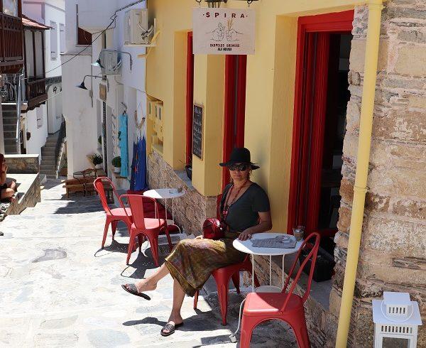 6 reasosn visit Skopelos