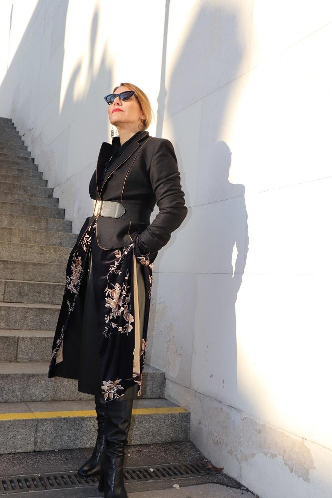 velvet kimono wit a blazer