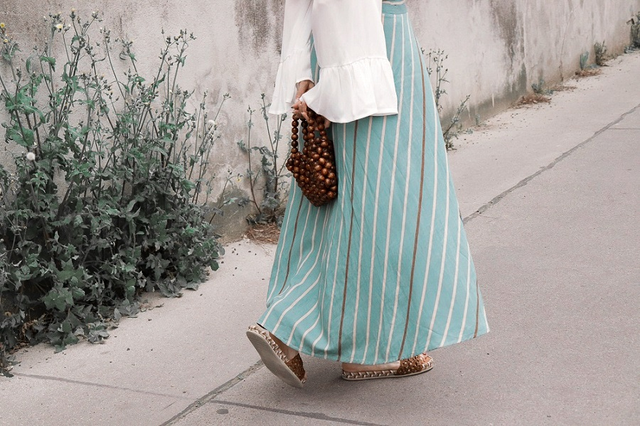 ways to wear a salopette skirt